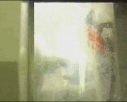 """Gli ugelli """"sparano"""" acqua sulla zona di contatto sia per raffreddare che per pulire la superficie"""