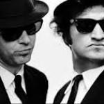 I Blue's Brothers con gli occhiali da sole