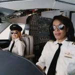 Piloti di linea con occhiali da sole polarizzati